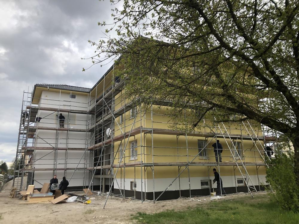 03.05.2021 Vorbereitung des PWG-Logos am Treppenhaus