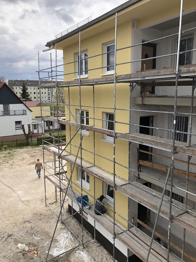 03.05.2021 Das Haus bekommt eine Farbe